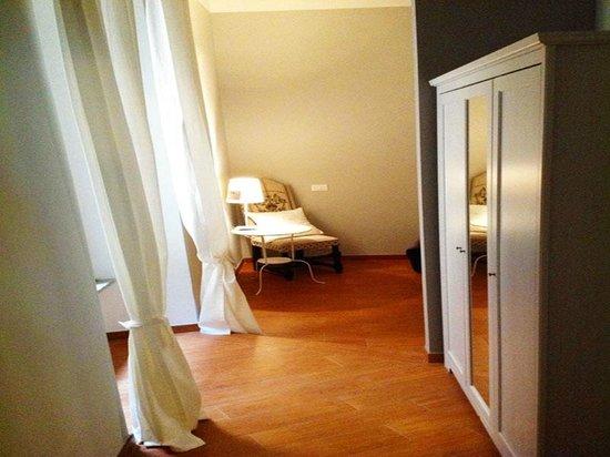 Casa Sufir Affittacamere: Raffaello room