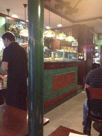 Rosat's Cerveceria: bar