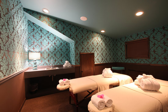 The Roxbury, Contemporary Catskill Lodging: Couple's Massage treatment room in The Shimmer Spa North