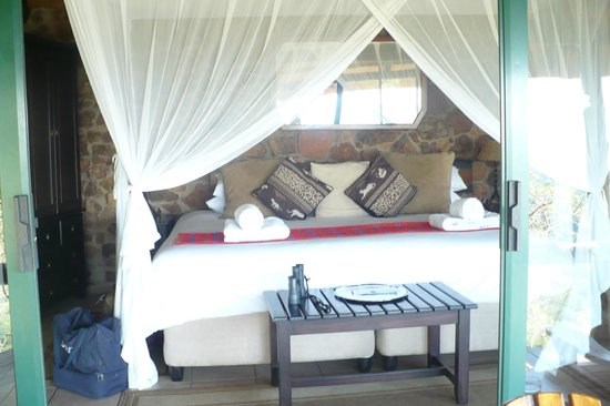 Leopard Mountain Safari Lodge: Bedroom in our Chalet