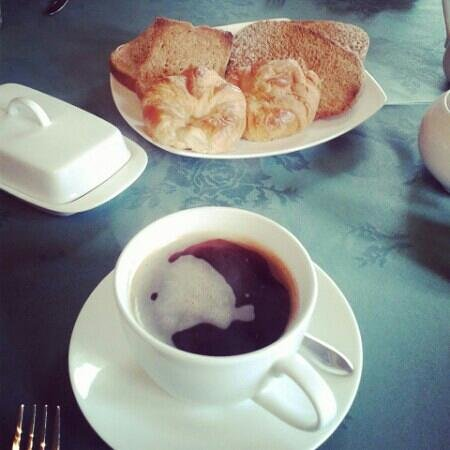 Victorian Guesthouse: mmm coffee :)