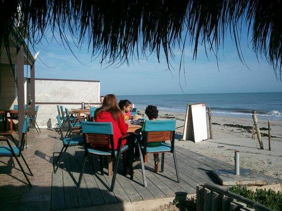 Hotel Dar El Bhar: Breakfast on the beach...