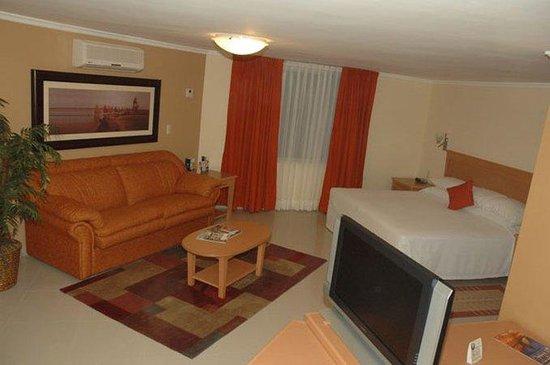 Araiza Palmira: Guest Room