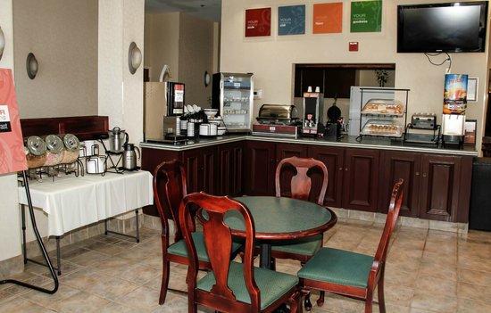 Comfort Inn Olde Town : Breakfast