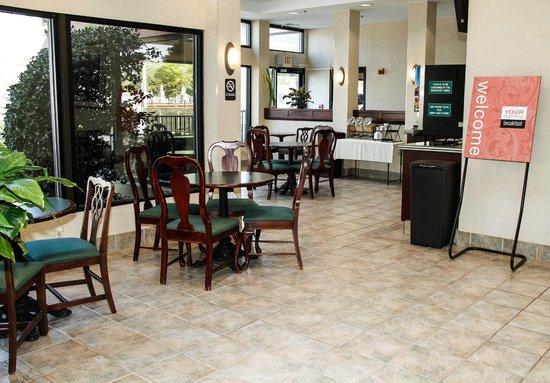 Comfort Inn Olde Town: Breakfast