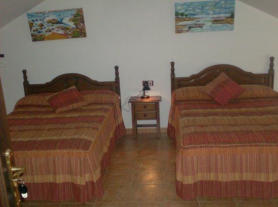 Alojamiento Los Poetas : Doble superior con camas de matrimonio
