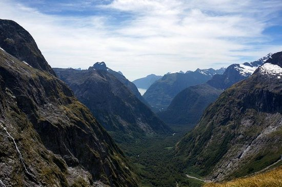 ‪‪Gertrude Saddle‬: View of Milford Sound from Gertrude's Saddle‬