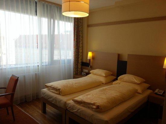 Hotel Am Stephansplatz: mit Aussenjalousie zum verdunkeln