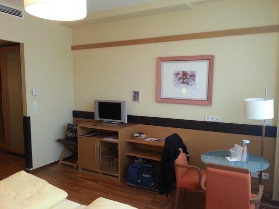 โรงแรม แอม สตีฟานสปลาทซ์: Zimmer mit Blick zum Dom