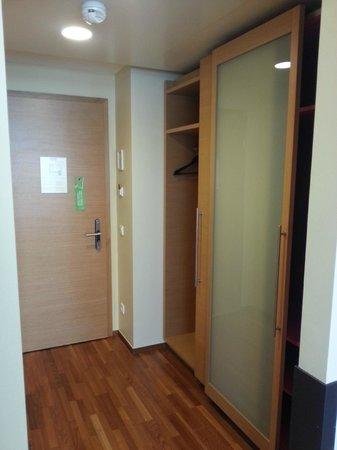 โรงแรม แอม สตีฟานสปลาทซ์: viel Stauraum vorhanden