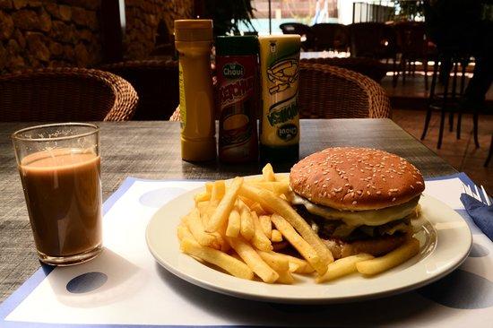 Hostal Marino: Cheeseburger :)) yummy