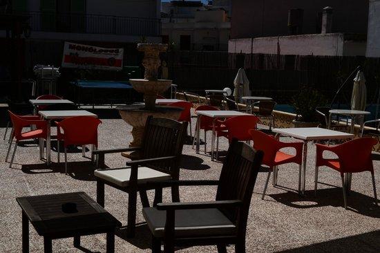 Hostal Marino: Pool area