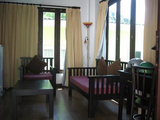 The Lamuna: Living room