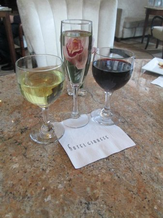 Hotel Giraffe by Library Hotel Collection: Cheers to a great trip!