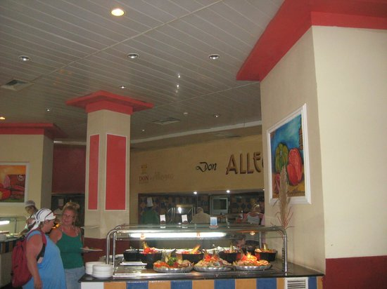 Dining Buffet Area Other Angle - Picture Of Naviti Varadero