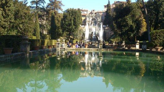Villa d este jardines fotograf a de villa d 39 este tivoli for Jardin villa d este