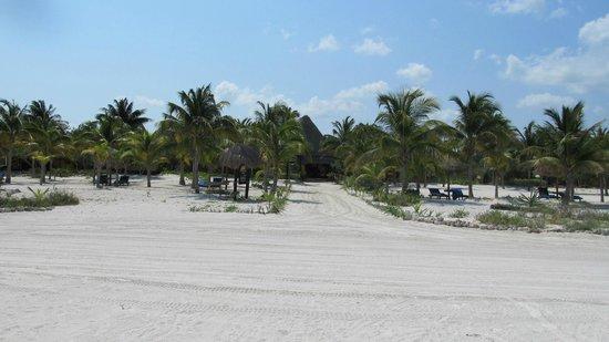 Hotel Villas Delfines: Vista frontal de Vilas Delfines