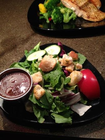 Holiday Inn Houston East-Channelview: amazing salad!
