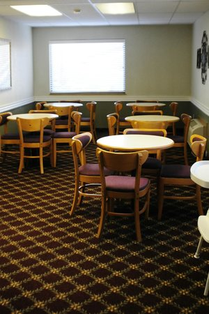 Branson's Best: Breakfast Room