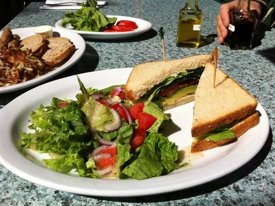 Joni's Coffee Roasting Cafe: Avocado Sandwich