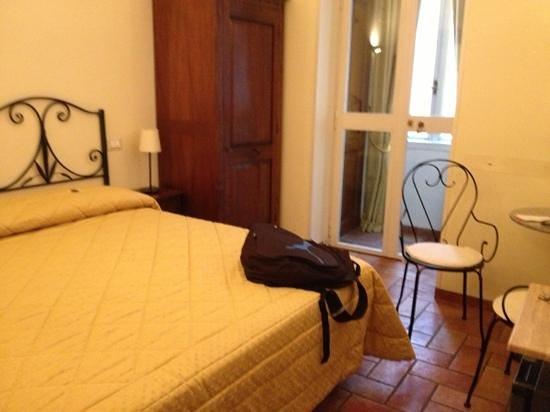 Aenea Superior Inn: chambre