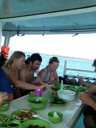 Rainbow Divers-Phu Quoc: Lunch