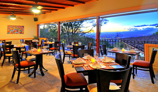 Ringle Resort Hotel & Spa: Dine at our restaurant SIWO