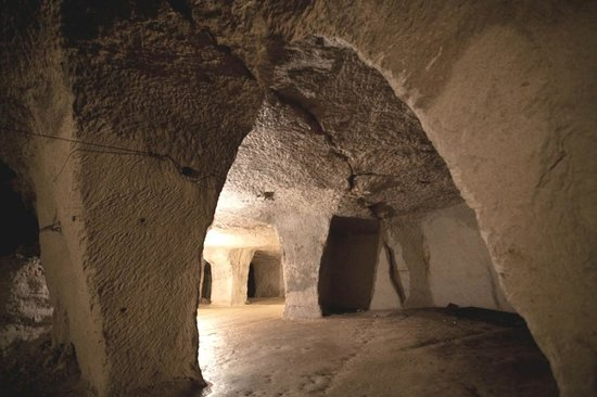 Beer, UK: Medieval arches left by quarrymen