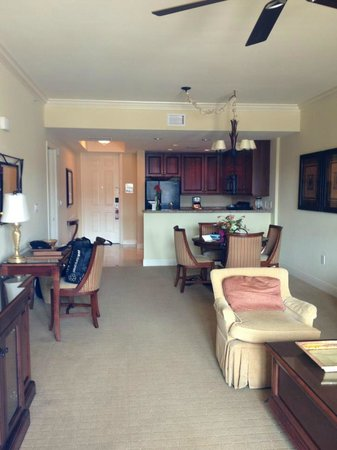 Naples Bay Resort: two bedroom two bath suite with kitchen