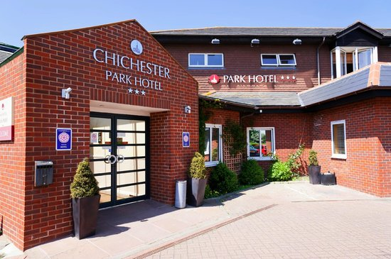 Chichester Park Hotel Outside