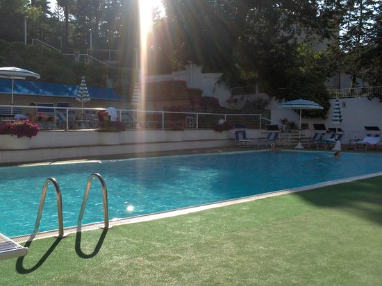 Hotel Moderno Chianciano: Piscina esterna