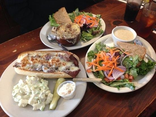 158 Main Restaurant & Bakery: lunch sandwiches