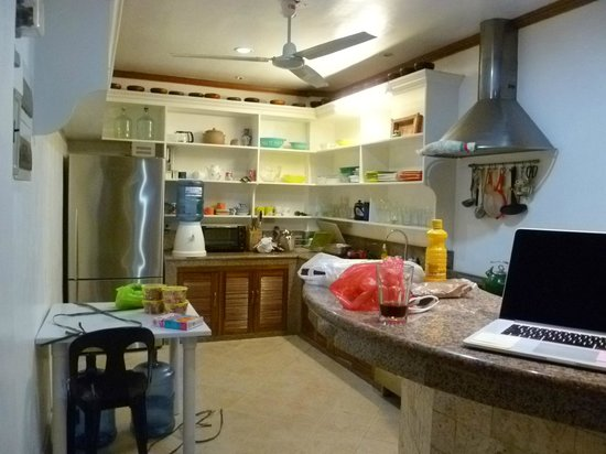 Alargo Villa Residence: Kitchen area, freshly stocked