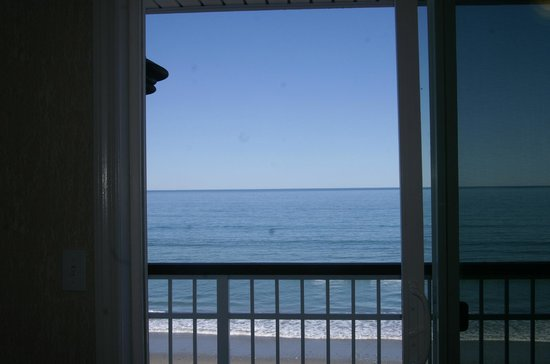 Nantasket Beach Resort: looking out to ocean from our room