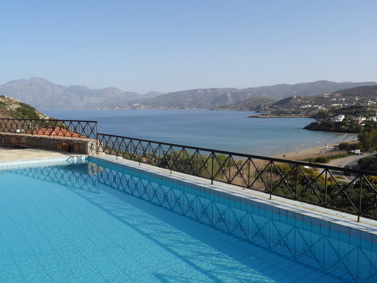Miramare Luxury Villas: Pool with a view