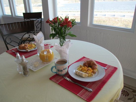 Colington Creek Inn: Breakfast
