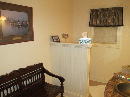 Colington Creek Inn: Bathroom