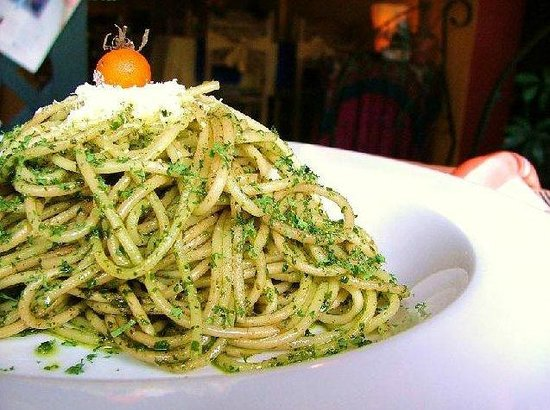 Fried Bananas Restaurant: PASTA CON SALSA PESTO / SPAGHETTI WITH  PESTO SAUCE