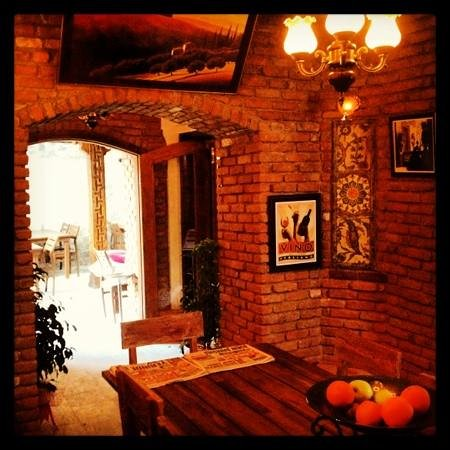 Arka Restaurant & Pizzeria: great pizza and atmosphere