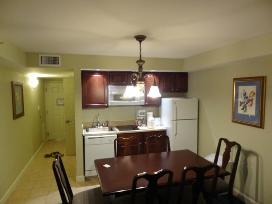Bluegreen Vacations Patrick Henry Sqr, Ascend Resort Collection: kitchen/dining area of 2/bed/2bath