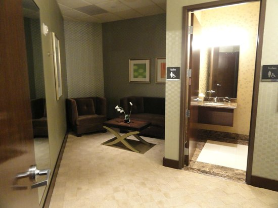 Mandalay Bay Wedding Chapels: Bride's Room