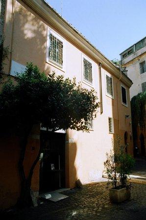 Villa della Fonte Guest House: ROMA:  Villa della Fonte in Trastevere