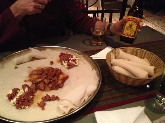 habesha restaurant and bar : Kitfo, Injera & beer