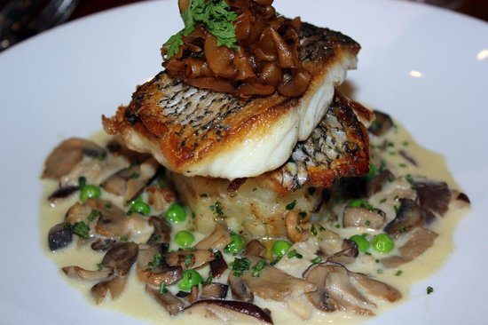 Eastchester Fish Gourmet: Pan Seared Snapper - a favorite in the restaurant