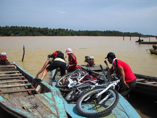 Pasir Belanda: Radausflug mit abenteuerlicher Flussquerung, alles wir gut