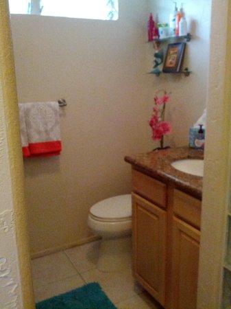 Kona Magic Sands : bathroom