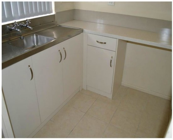 Mountway Holiday Apartments : Refurbished kitchen