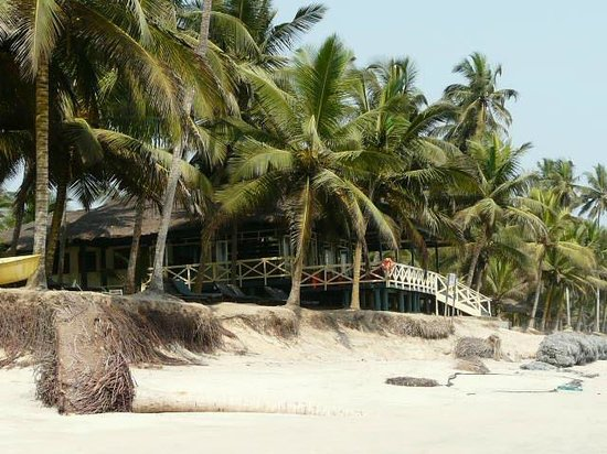 Anomabo Beach Resort Beachfront Dining