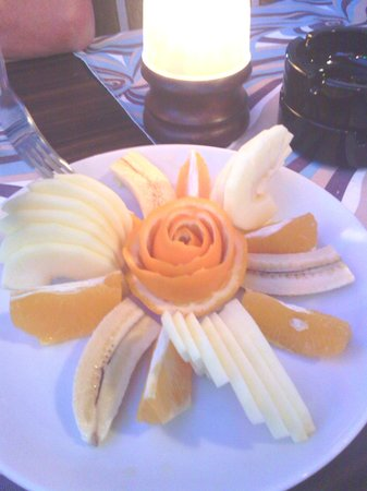 Picasso Restaurant : free dessert. starter and a drink of your choice is also for free.