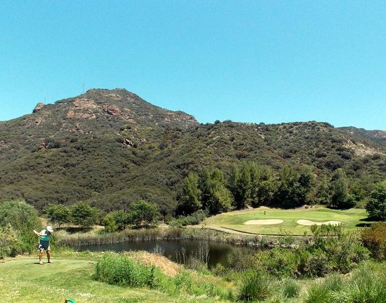 Malibu Country Club : par threes are longer than they look